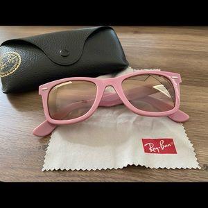Pink Ray-Ban Original Wayfarer
